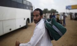 تتعمد اهانتهم في المنافذ الحدودية.. لماذا تمنع السعودية عودة المغتربين اليمنيين الى بلدهم؟؟