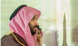 هل يتودد ابن سلمان للمسلمين بأستار الكعبة؟