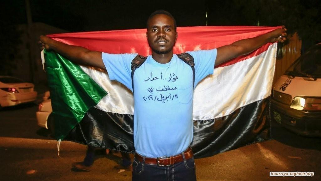 بلطجية الجنجويد تقمع المتظاهرين بقبضة سعودية