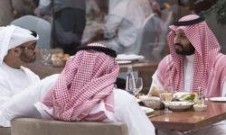 """تقرير استخباري يكشف معلومات عن زيارة """"ابن زايد"""" السرية لـ""""ابن سلمان"""""""