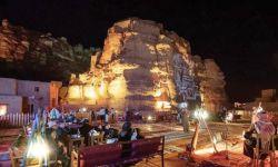 بعد عام ونصف من المنع.. السعودية تفتح أبوابها لاستقبال السياح