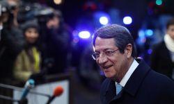 فضيحة لزعيم قبرص اليونانية مرتبطة بآل سعود.. اعتذر لاحقا