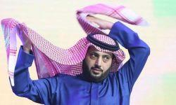 بينما الحجاج يرمون الجمرات .. تركي آل الشيخ يُحضر راقصات