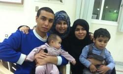 عائلة المعتقل علي النمر تزوره تعرف على التفاصيل.....