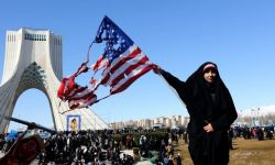 كيف أعاد عام 1979 تشكيل سياسة إيران والسعودية