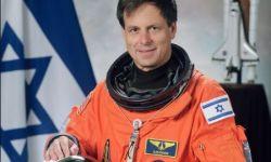 صورة لإسرائيلي في معرض ناسا بفعاليات موسم الرياض